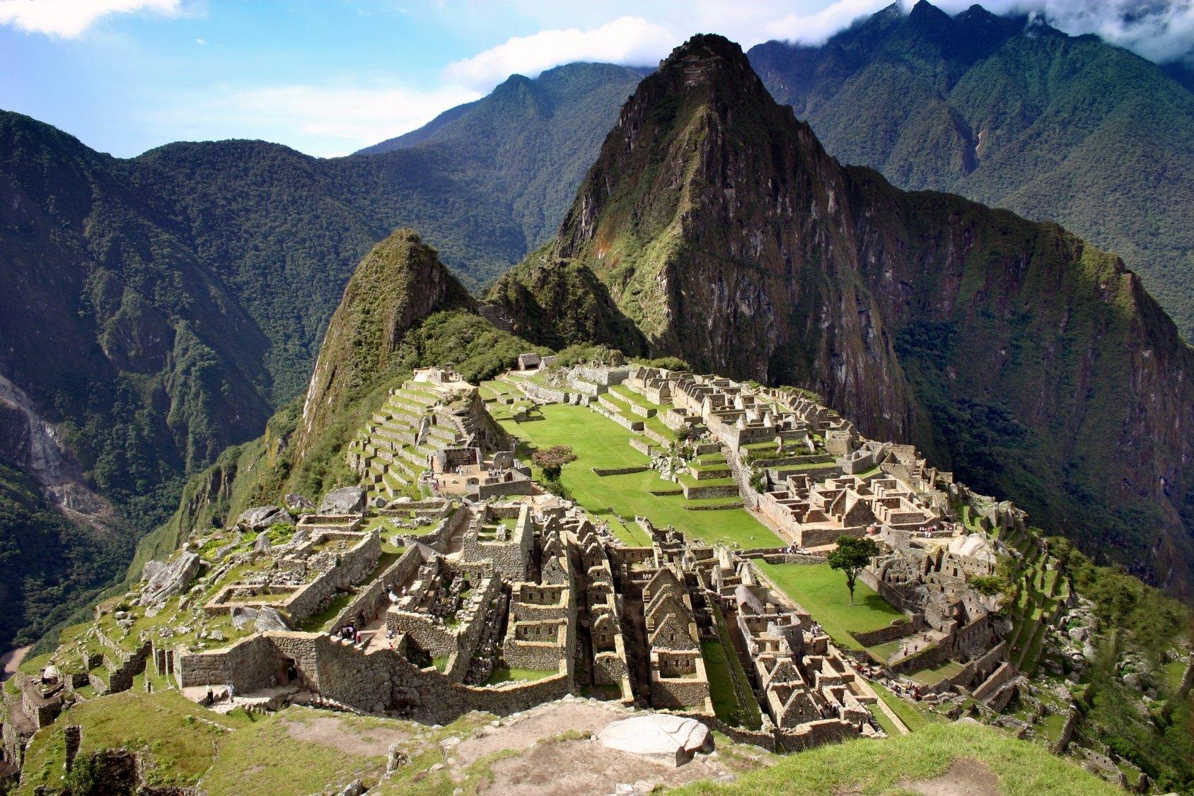 """Machu Picchu, também chamada de """"cidade perdida dos incas"""", é um dos exemplos alto grau de desenvolvimento das sociedades pré-colombianas."""